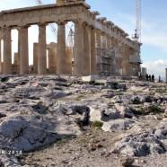 Μια περιήγηση με τα πόδια της Αθήνας και του Πειραιά στην Ελλάδα. Γυρισμένη το 2010.
